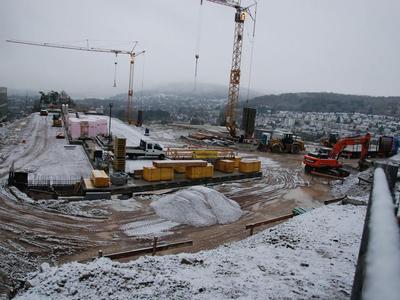 Baustelle mit Schnee